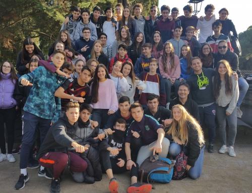 650 alumnes d'Escola Pia de Catalunya caminen per la pau en un recorregut que uneix Vilanova i Sitges