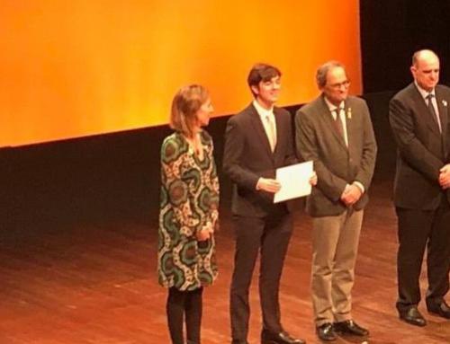 Gerard Puig recull el premi de Recerca Jove